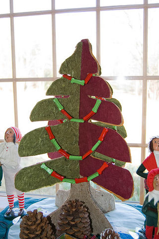 Tct-cardboardchristmastree